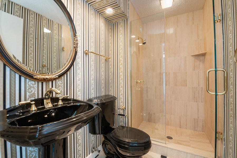 Real Estate Photography - 195 N. Harbor Dr., Unit #4509, Chicago, IL, 60601 - 2nd Bathroom