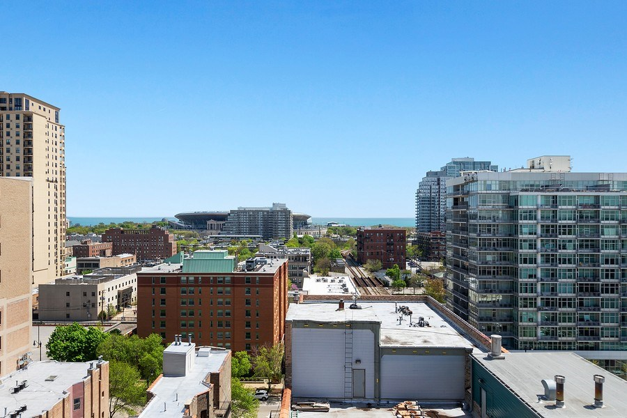 Real Estate Photography - 1529 S State St, Unit 13B, Chicago, IL, 60616 - View