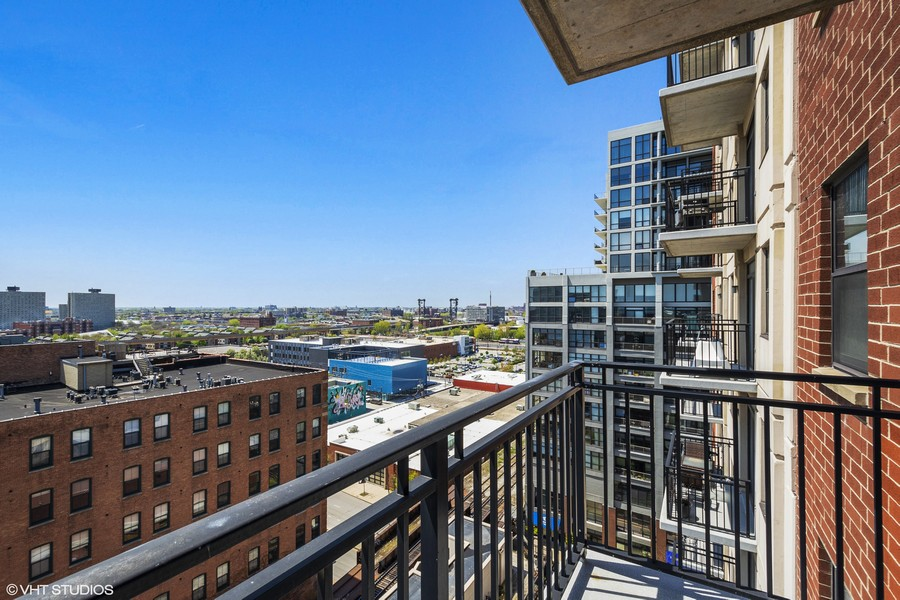 Real Estate Photography - 1529 S State St, Unit 13B, Chicago, IL, 60616 - Balcony