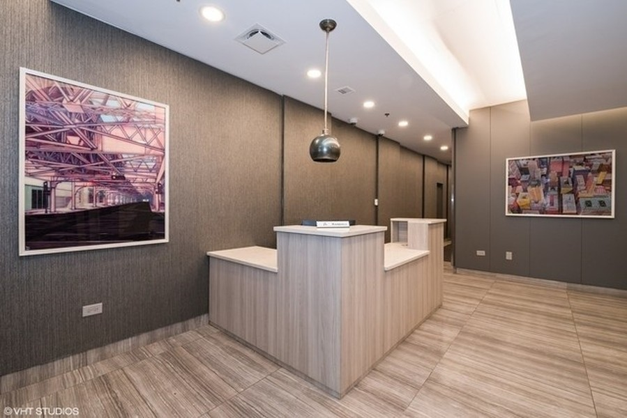 Real Estate Photography - 1529 S State St, Unit 13B, Chicago, IL, 60616 - Lobby