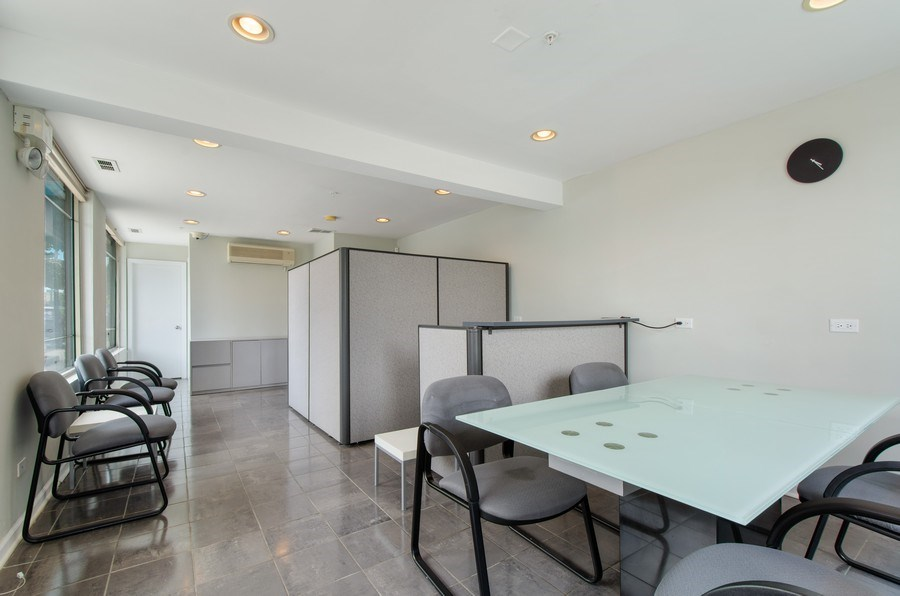 Real Estate Photography - 8007 Lincoln Ave, Skokie, IL, 60077 - Office