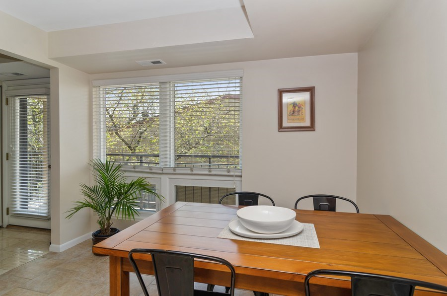 Real Estate Photography - 1646 N Mohawk St, Unit B, Chicago, IL, 60614 - Kitchen / Breakfast Room