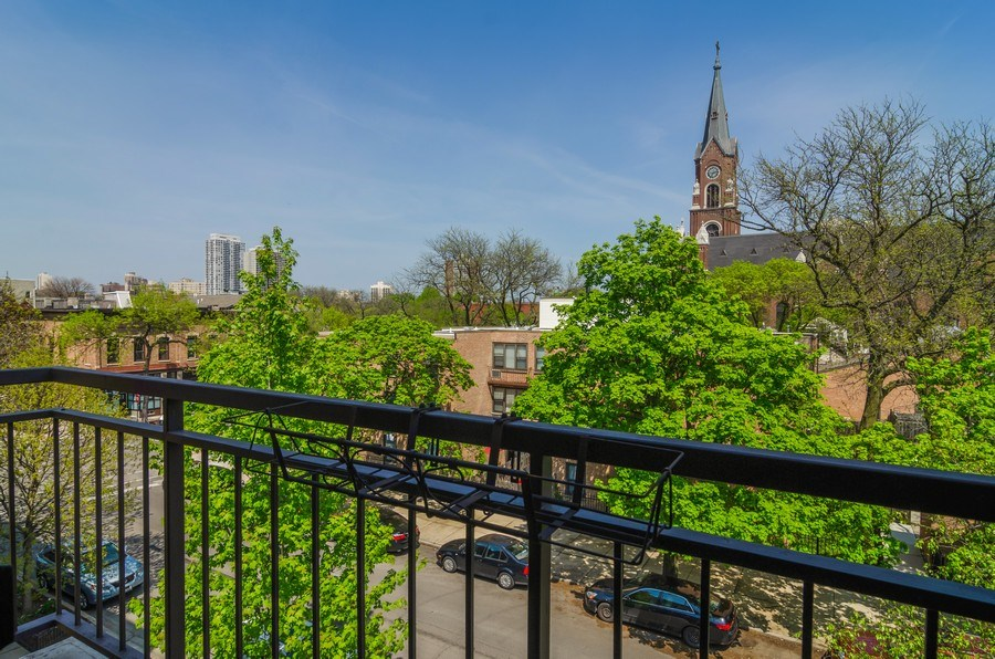 Real Estate Photography - 1646 N Mohawk St, Unit B, Chicago, IL, 60614 - Balcony
