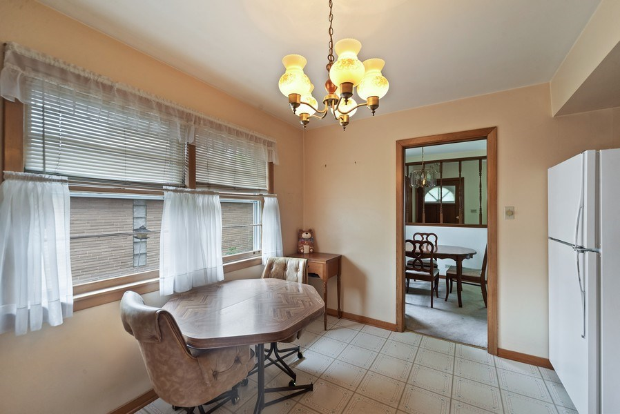 Real Estate Photography - 5011 N Octavia Ave., Harwood Heights, IL, 60706 - Breakfast Nook
