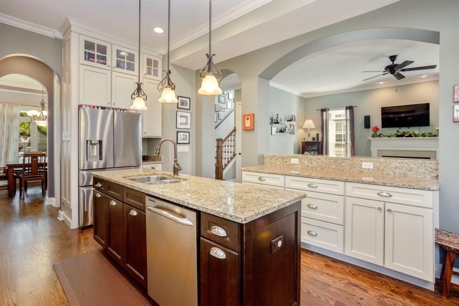 Real Estate Photography - 928 S Dunton, Arlington Heights, IL, 60005 - Kitchen