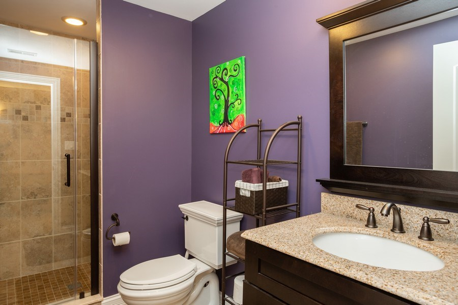 Real Estate Photography - 928 S Dunton, Arlington Heights, IL, 60005 - 2nd Bathroom