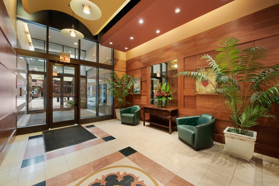 Real Estate Photography - 1212 N Wells Street, Unit 1404, Chicago, IL, 60610 - Lobby