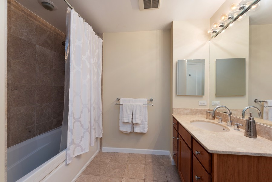 Real Estate Photography - 1212 N Wells Street, Unit 1404, Chicago, IL, 60610 - Master Bathroom