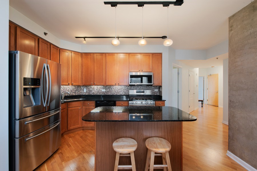 Real Estate Photography - 1212 N Wells Street, Unit 1404, Chicago, IL, 60610 - Kitchen