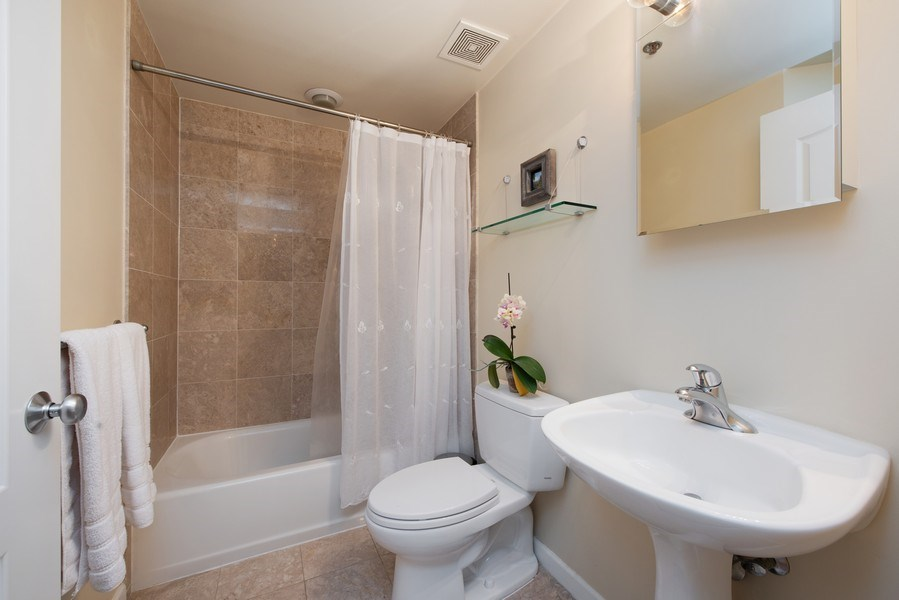 Real Estate Photography - 1212 N Wells Street, Unit 1404, Chicago, IL, 60610 - 2nd Bathroom