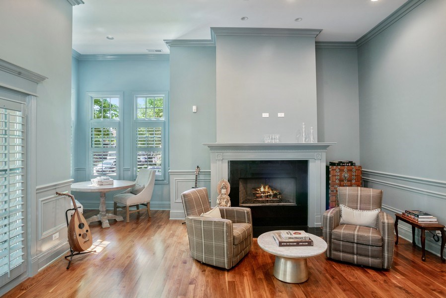 Real Estate Photography - 4200 N Oakley, Chicago, IL, 60618 - Living Room