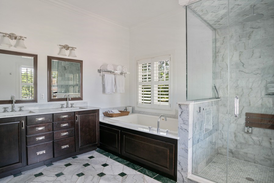 Real Estate Photography - 4200 N Oakley, Chicago, IL, 60618 - Master Bathroom