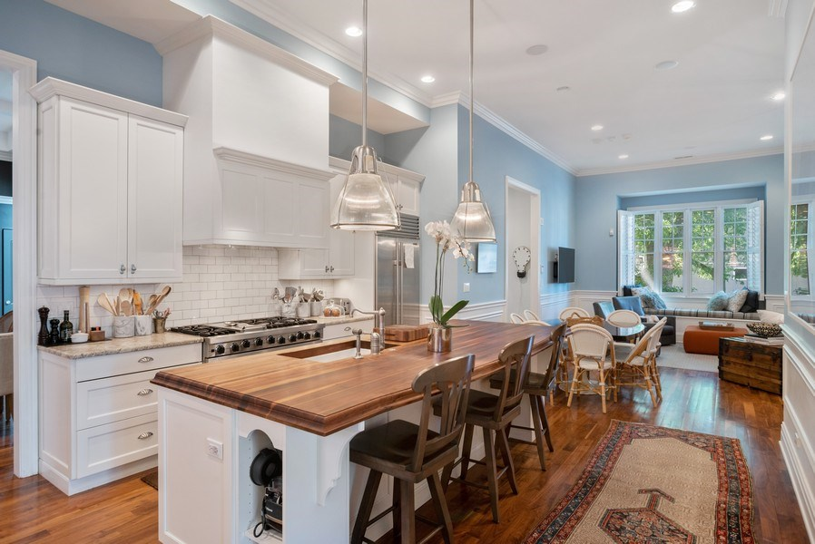 Real Estate Photography - 4200 N Oakley, Chicago, IL, 60618 - Kitchen