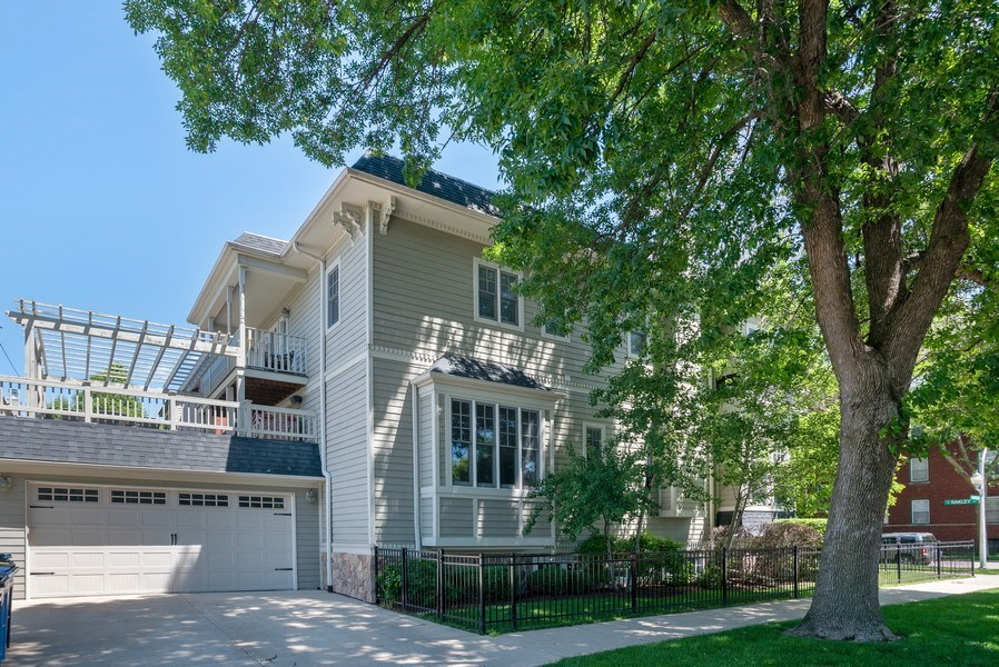 Real Estate Photography - 4200 N Oakley, Chicago, IL, 60618 - Side View