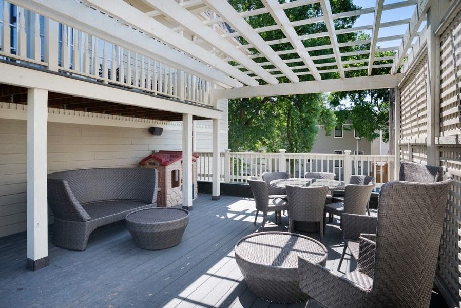 Real Estate Photography - 4200 N Oakley, Chicago, IL, 60618 - Deck
