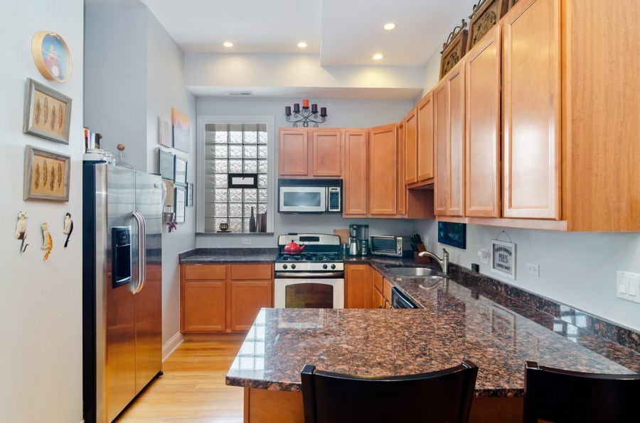 Real Estate Photography - 1064 N Milwaukee, 2W, Chicago, IL, 60642 - Kitchen