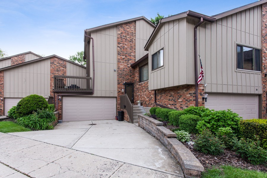 Real Estate Photography - 18 Highridge Rd, Willowbrook, IL, 60527 - Front View