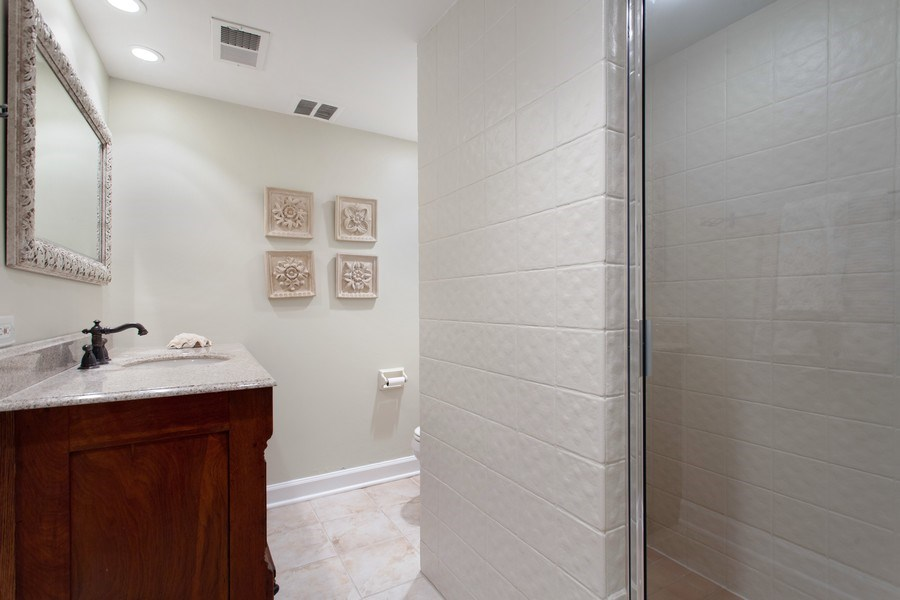 Real Estate Photography - 18 Highridge Rd, Willowbrook, IL, 60527 - Lower Level Full Bath