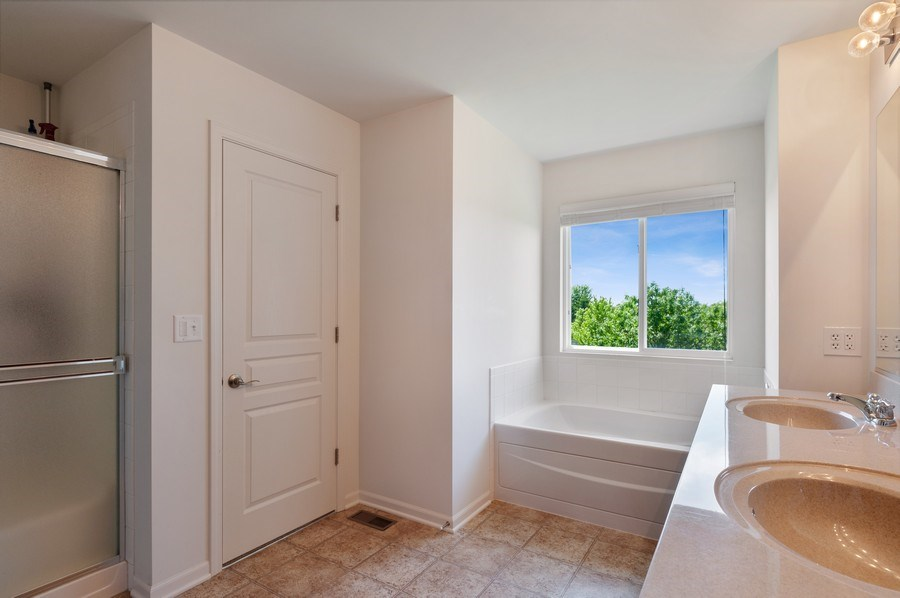 Real Estate Photography - 904 Chopin Place, Volo, IL, 60073 - Master Bathroom