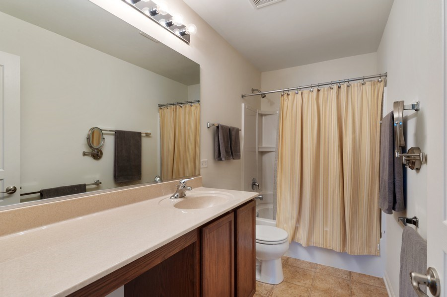 Real Estate Photography - 904 Chopin Place, Volo, IL, 60073 - Bathroom