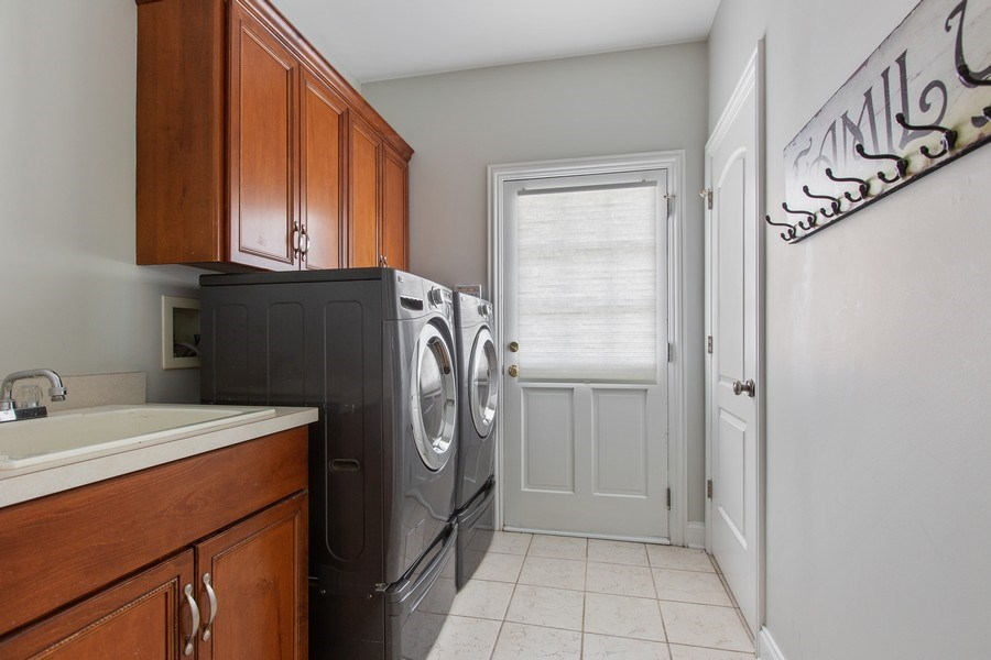 Real Estate Photography - 410 Traube Ave., Clarendon Hills, IL, 60514 - Laundry Room