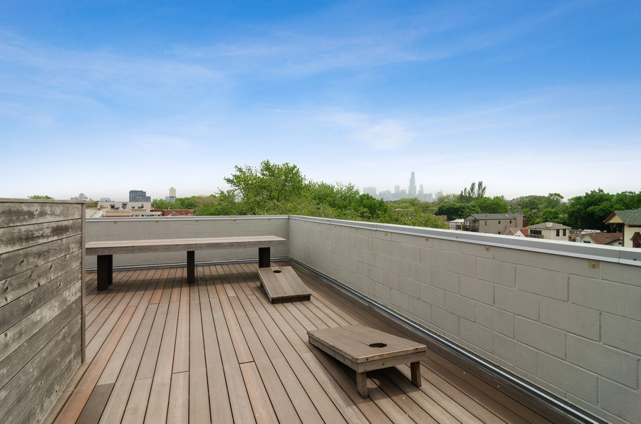 Real Estate Photography - 1137 North Leavitt, 3, Chicago, IL, 60642 - Roof Deck