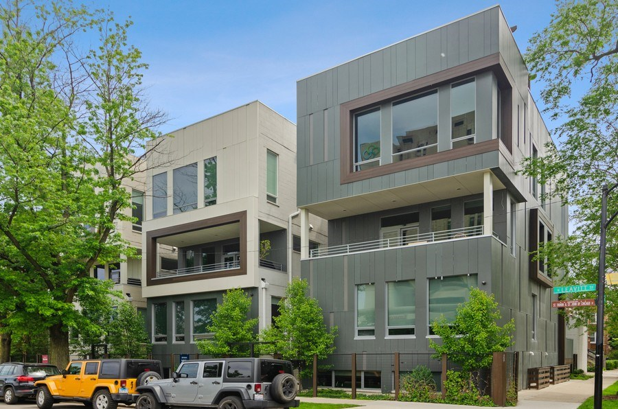Real Estate Photography - 1137 North Leavitt, 3, Chicago, IL, 60642 - Front View