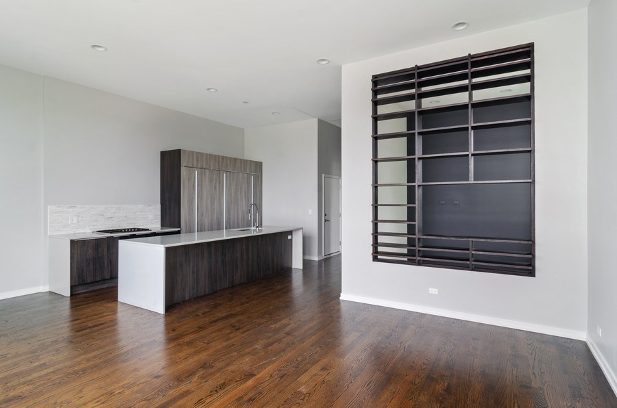 Real Estate Photography - 1137 North Leavitt, 3, Chicago, IL, 60642 - Kitchen / Living Room