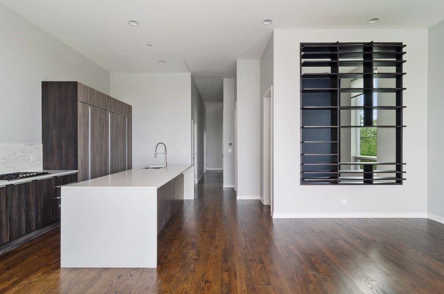 Real Estate Photography - 1137 North Leavitt, 3, Chicago, IL, 60642 - Kitchen/Living