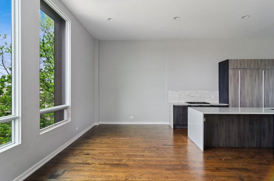 Real Estate Photography - 1137 North Leavitt, 3, Chicago, IL, 60642 - Kitchen / Dining Room