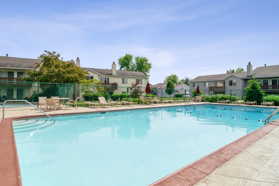Real Estate Photography - 341 Newport Ln, Unit C2, Bartlett, IL, 60103 - Pool
