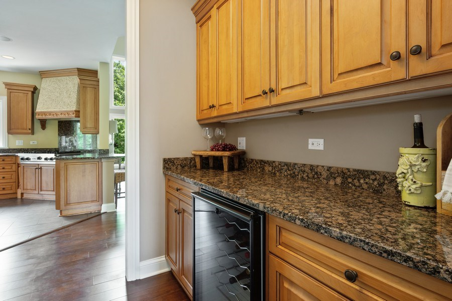 Real Estate Photography - 21514 W Hummingbird Court, Kildeer, IL, 60047 - Butler's pantry