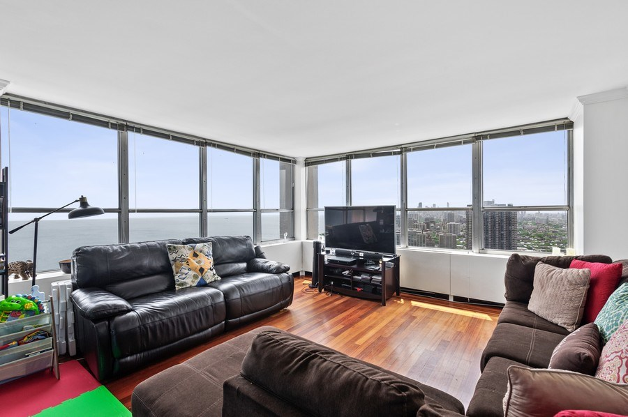 Real Estate Photography - 655 W Irving Park Unit 4601, Chicago, IL, 60613 - Living Room