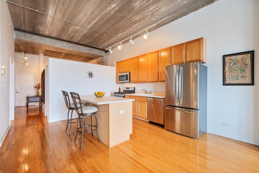 Real Estate Photography - 1635 W. Belmont #617, Chicago, IL, 60657 - Kitchen