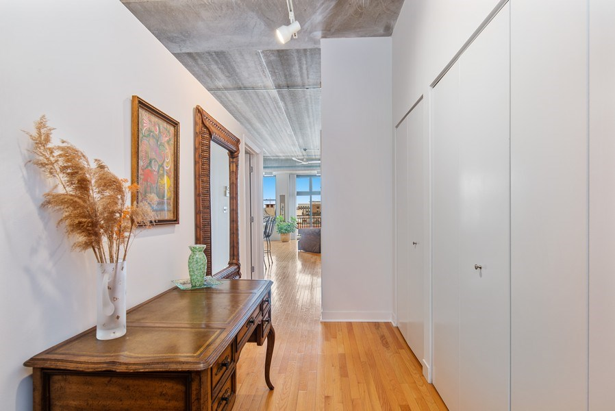 Real Estate Photography - 1635 W. Belmont #617, Chicago, IL, 60657 - Foyer
