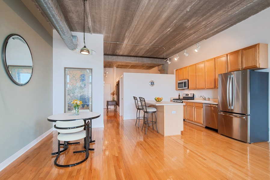 Real Estate Photography - 1635 W. Belmont #617, Chicago, IL, 60657 - Kitchen / Dining Room