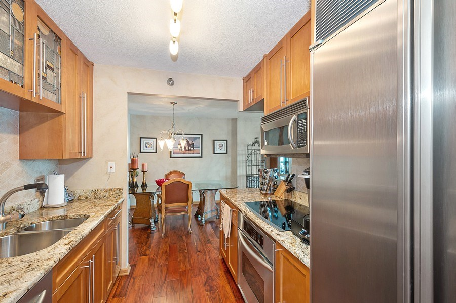 Real Estate Photography - 195 N Harbor Dr, 5201, Chicago, IL, 60601 - Kitchen