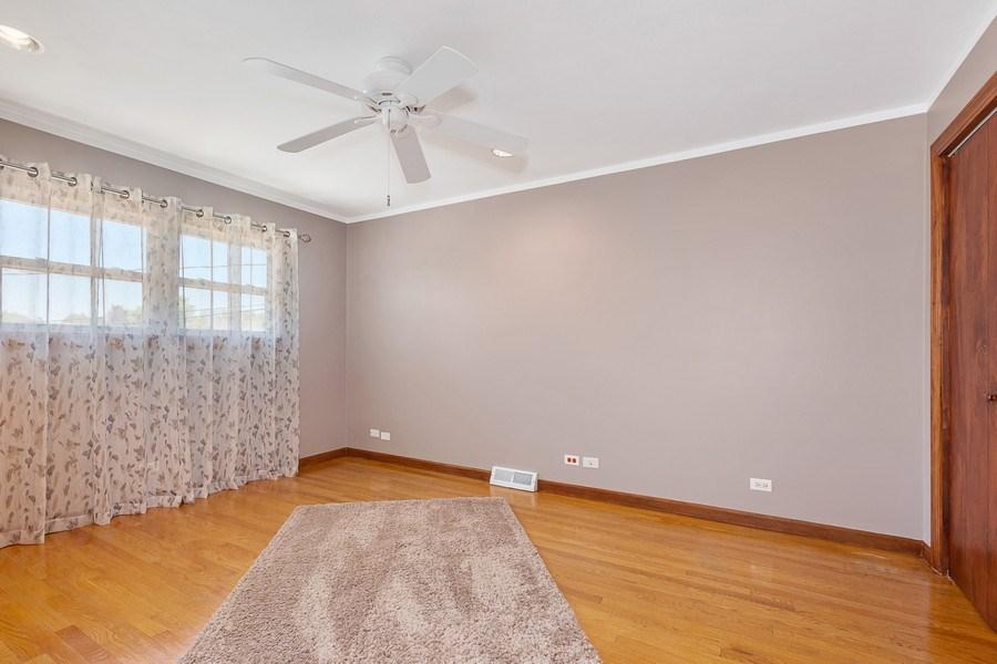 Real Estate Photography - 264 E. Fullerton Ave., Elmhurst, IL, 60126 - Bedroom 2