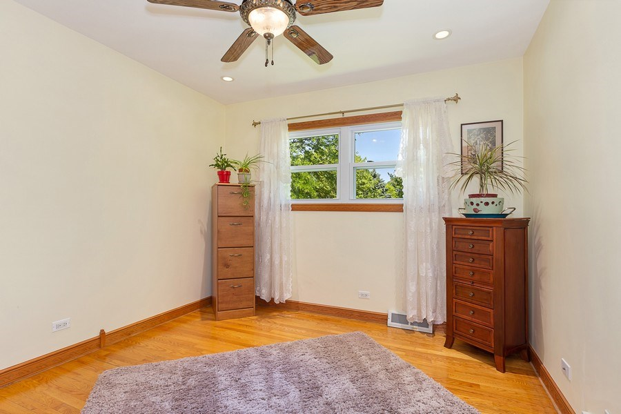 Real Estate Photography - 264 E. Fullerton Ave., Elmhurst, IL, 60126 - Bedroom 3