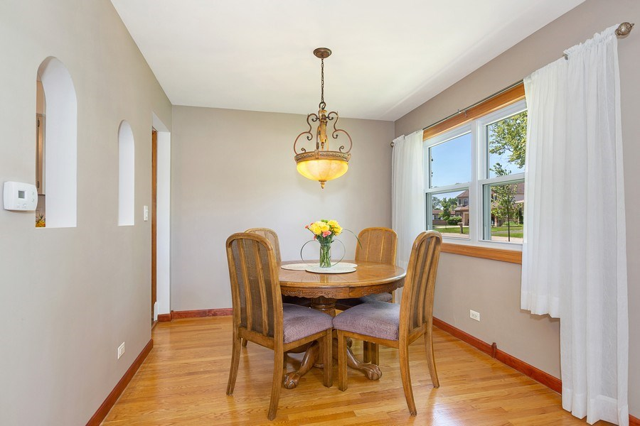 Real Estate Photography - 264 E. Fullerton Ave., Elmhurst, IL, 60126 - Dining Area