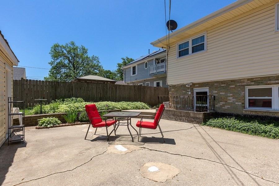 Real Estate Photography - 264 E. Fullerton Ave., Elmhurst, IL, 60126 - Patio