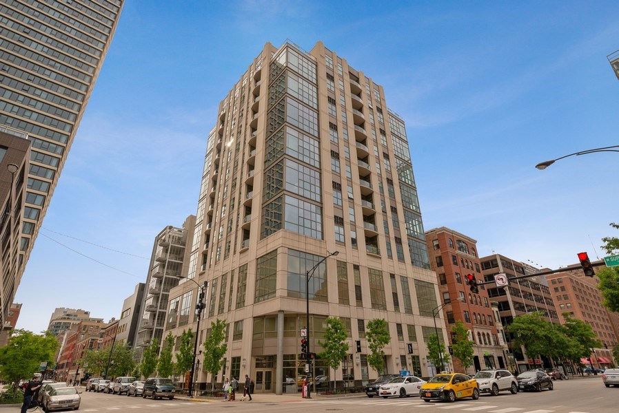 Real Estate Photography - 150 W. Superior St., 702, Chicago, IL, 60654 - Front View
