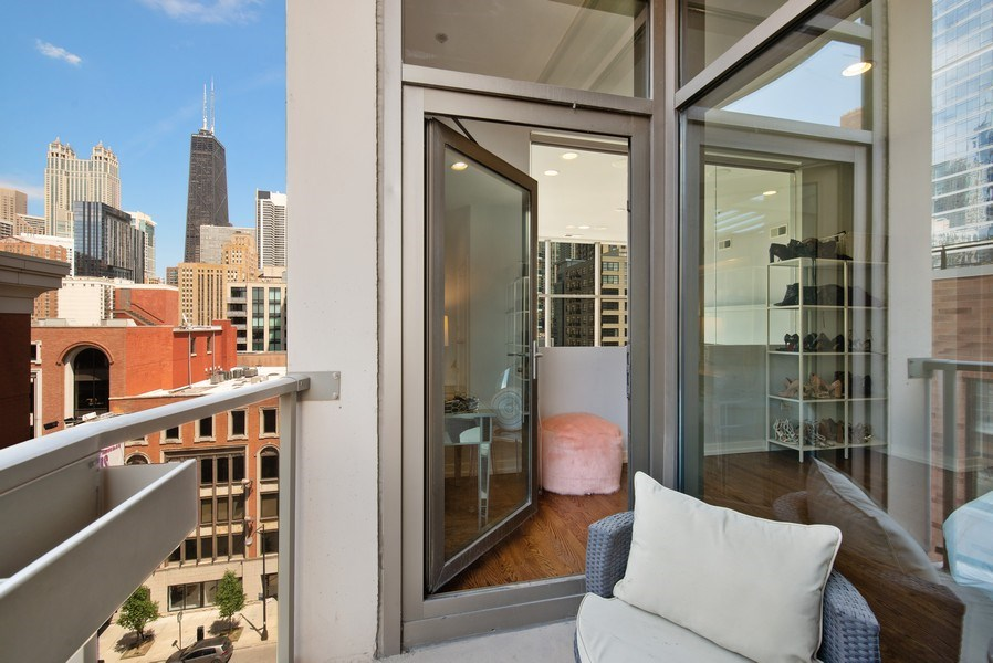 Real Estate Photography - 150 W. Superior St., 702, Chicago, IL, 60654 - Balcony