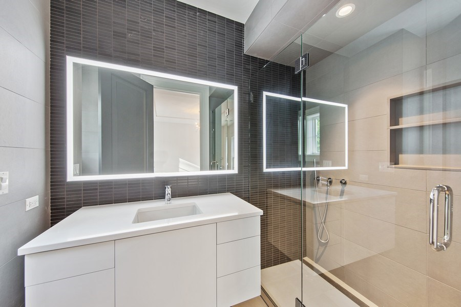Real Estate Photography - 610 S Oak St, Hinsdale, IL, 60521 - 3rd Bathroom