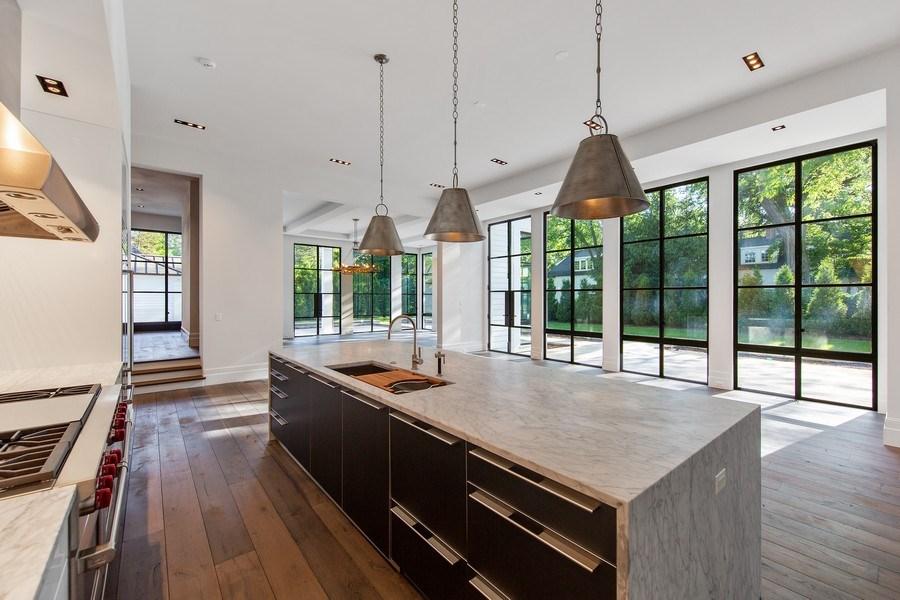 Real Estate Photography - 610 S Oak St, Hinsdale, IL, 60521 - Kitchen
