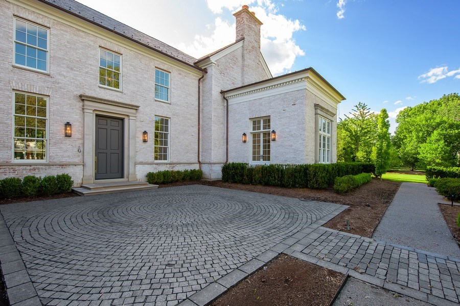 Real Estate Photography - 610 S Oak St, Hinsdale, IL, 60521 - Front View