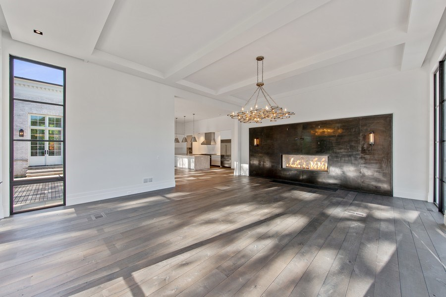 Real Estate Photography - 610 S Oak St, Hinsdale, IL, 60521 - Family Room