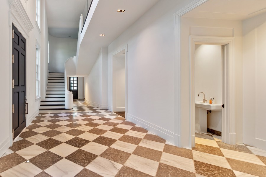Real Estate Photography - 610 S Oak St, Hinsdale, IL, 60521 - Foyer