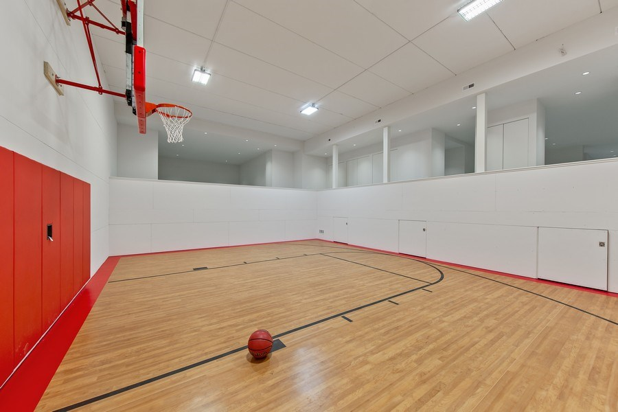Real Estate Photography - 610 S Oak St, Hinsdale, IL, 60521 - Basketball Courts