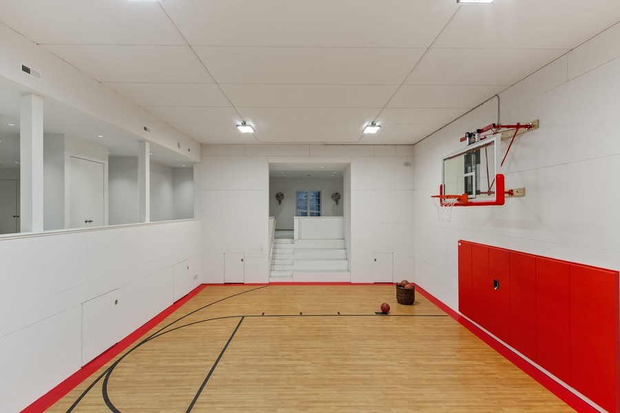 Real Estate Photography - 610 S Oak St, Hinsdale, IL, 60521 - Basketball Court